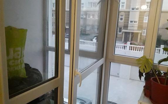 Правительство Севастополя подарило ветерану квартиру без воды и отопления (фото)