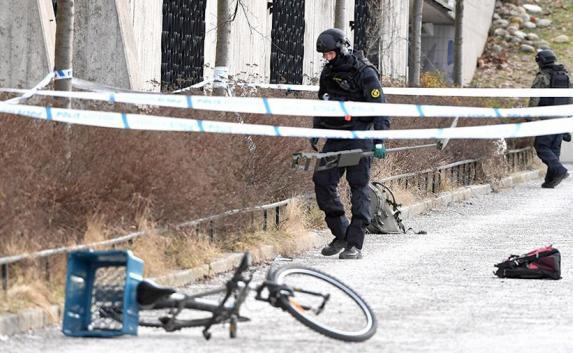 Взрыв в Стокгольме и атака дронов в Сирии: новости мира за выходные (фото, видео)
