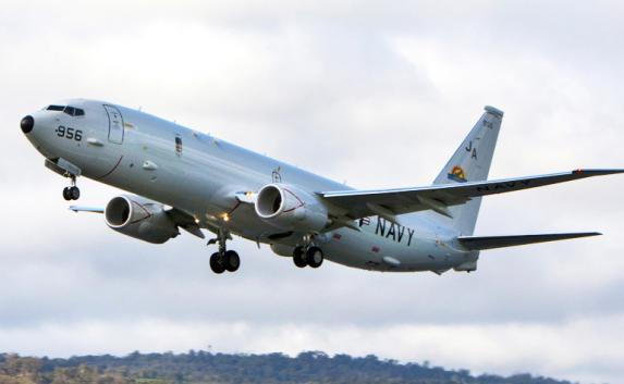 Военный самолет США пролетал над побережьем Севастополя