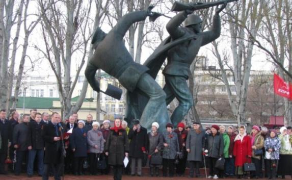 Годовщину Керченско-Феодосийского десанта отметили митингом в Феодосии (фото, видео)