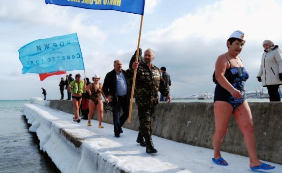 Крымские «моржи» устроят новогодний заплыв в Феодосии