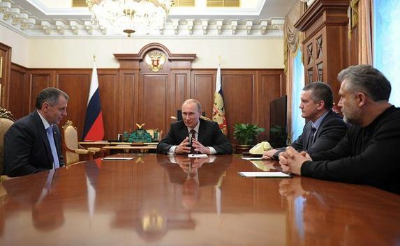 Путин потребовал соблюдать сроки выполнения проектов в Крыму