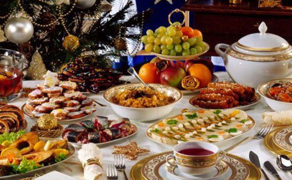 Жители России стали тратить больше денег на Новый год