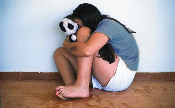 Севастополец подозревается в изнасиловании дочери.